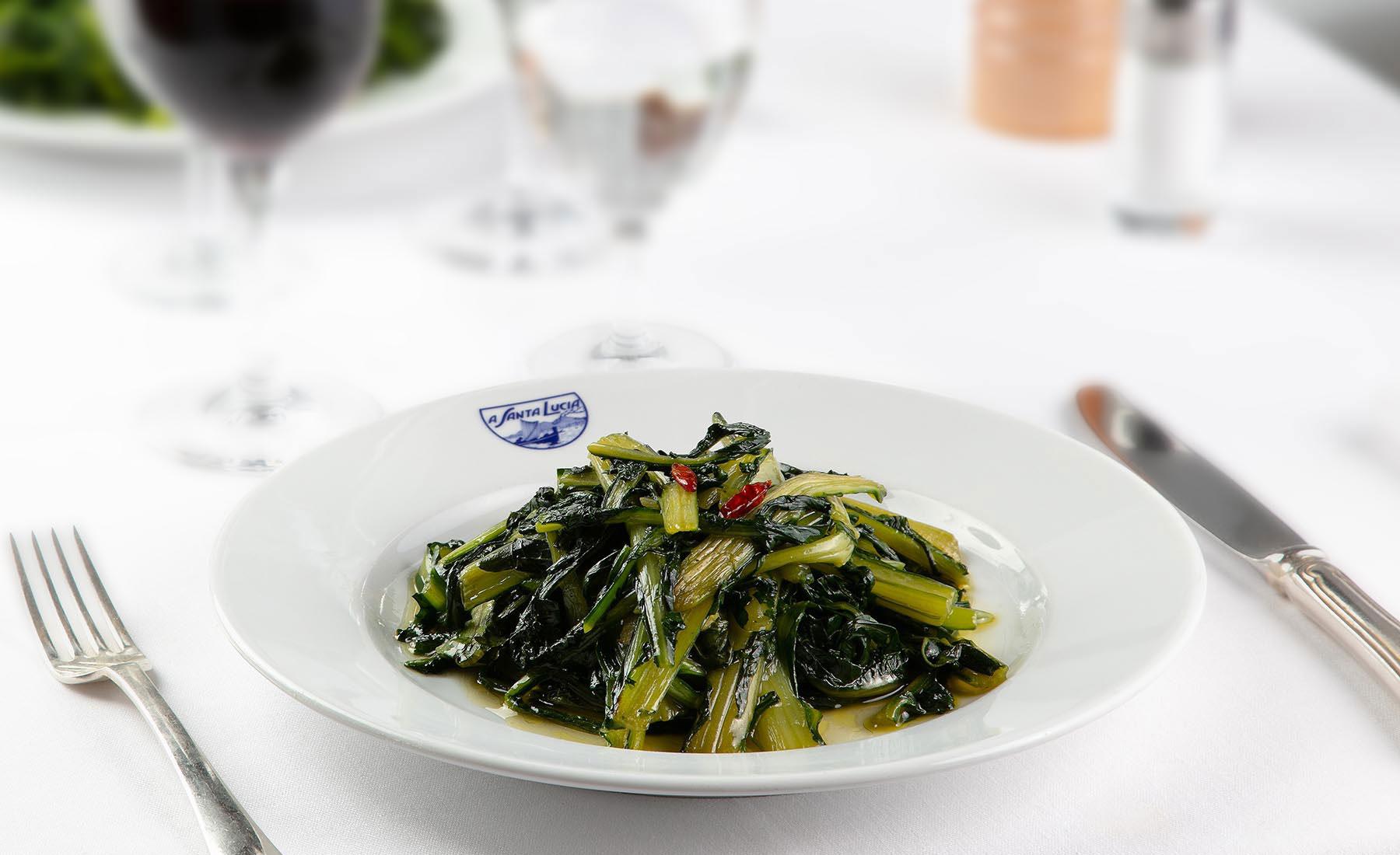 Catalogna con aglio, olio, peperoncino