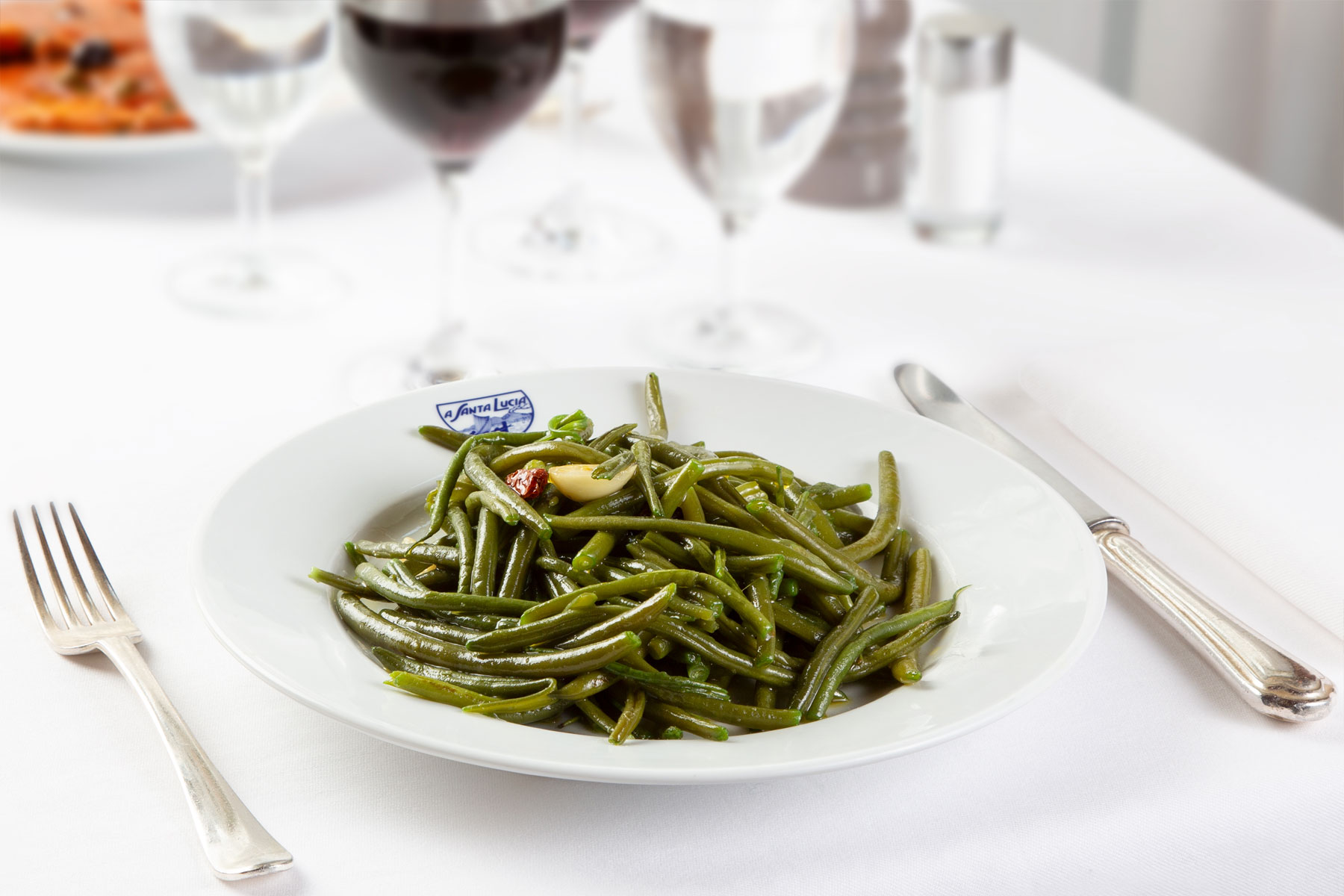 Green beans sauteed with garlic, oil, chili
